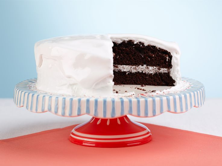 Chocolate Cake with Divinity Icing Recipe : Trisha Yearwood : Food Network - FoodNetwork.com