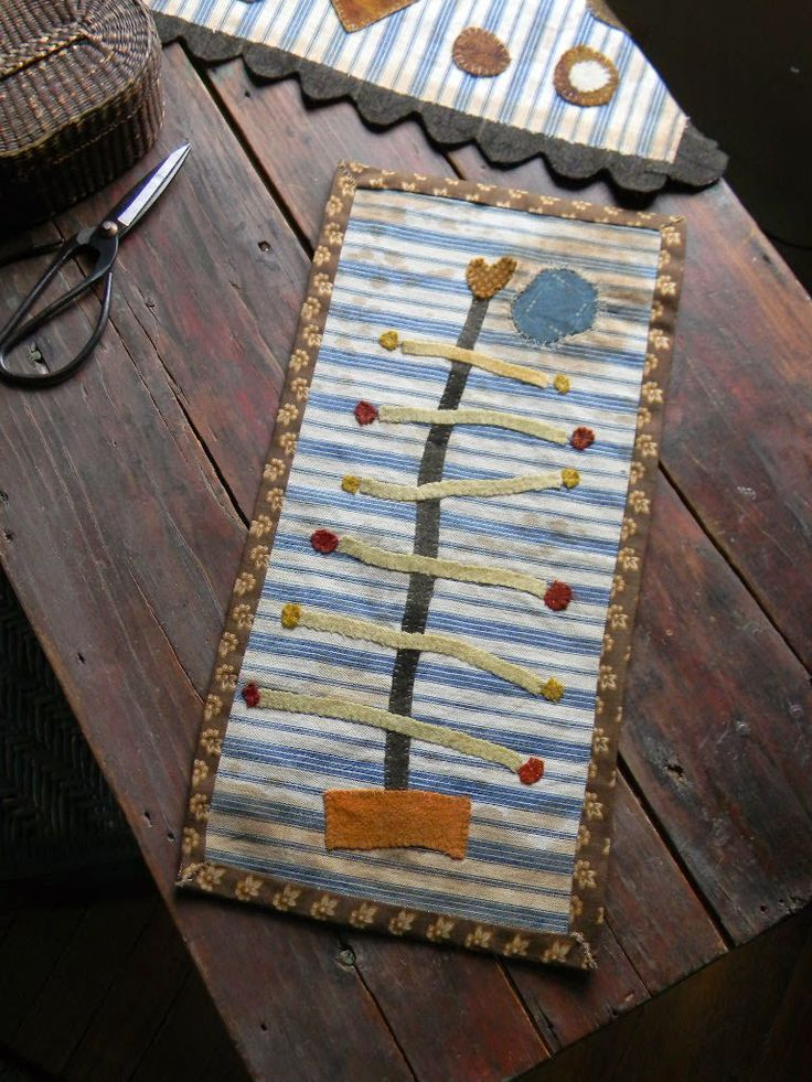 wool primitive crafts 79 best wool projects images on pinterest penny rugs wool felt