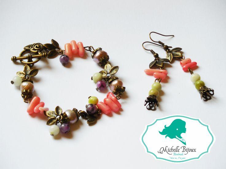 Set cercei si bratara Pietre semipretioase: perle de cultura lila, quartz roz si jade vezi si albe Accesorii bronz: frunzulite marunte