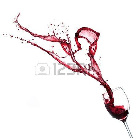 Rode wijn spatten van glas, geïsoleerd op witte achtergrond