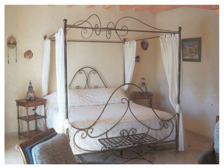 les 225 meilleures images propos de lit en bois palette sur pinterest lits rangement. Black Bedroom Furniture Sets. Home Design Ideas