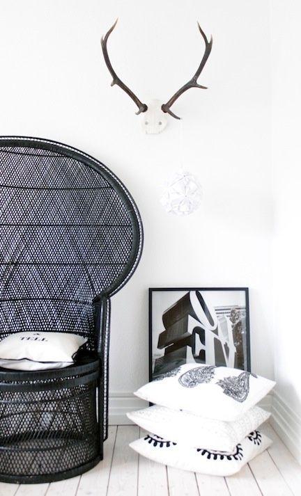 Des meubles en ritin tendance. Rattan furniture (black). So trendy!