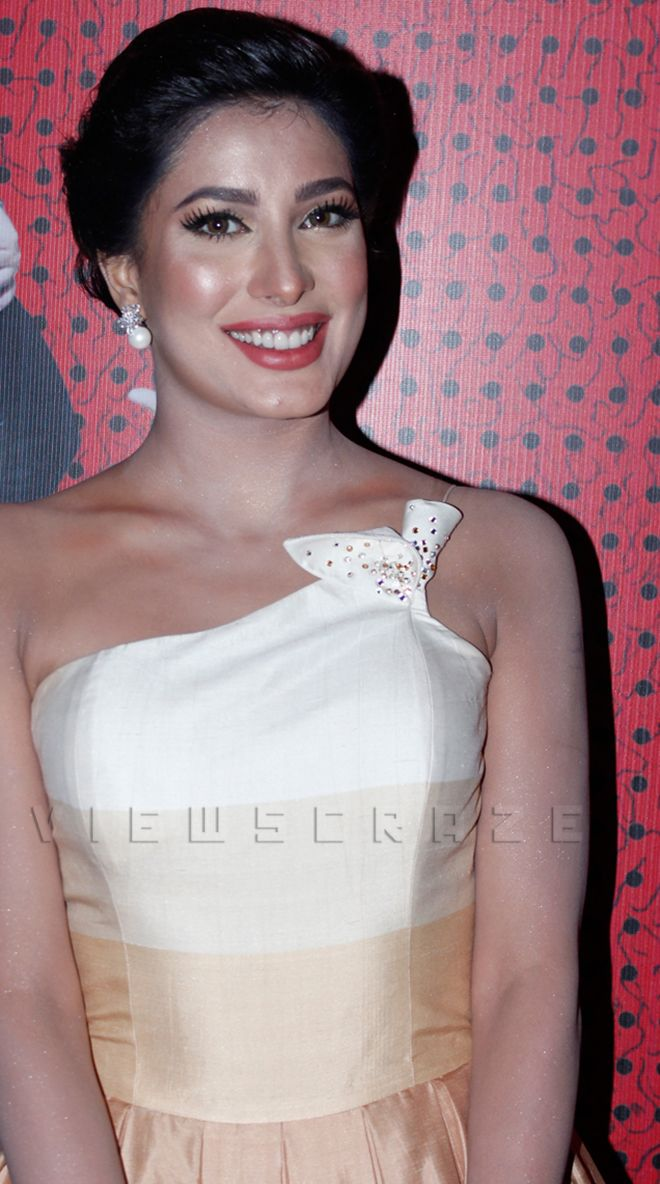 Mehwish Hayat at the premiere of Jawani Phir Nahi Ani