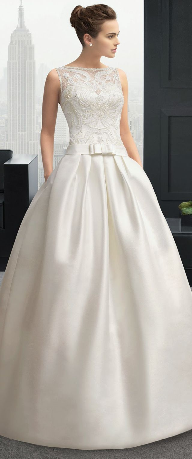 Two by Rosa Clara 2015 Bridal Collection - Belle the Magazine . The Wedding Blog For The Sophisticated Bride http://www.jexshop.com/