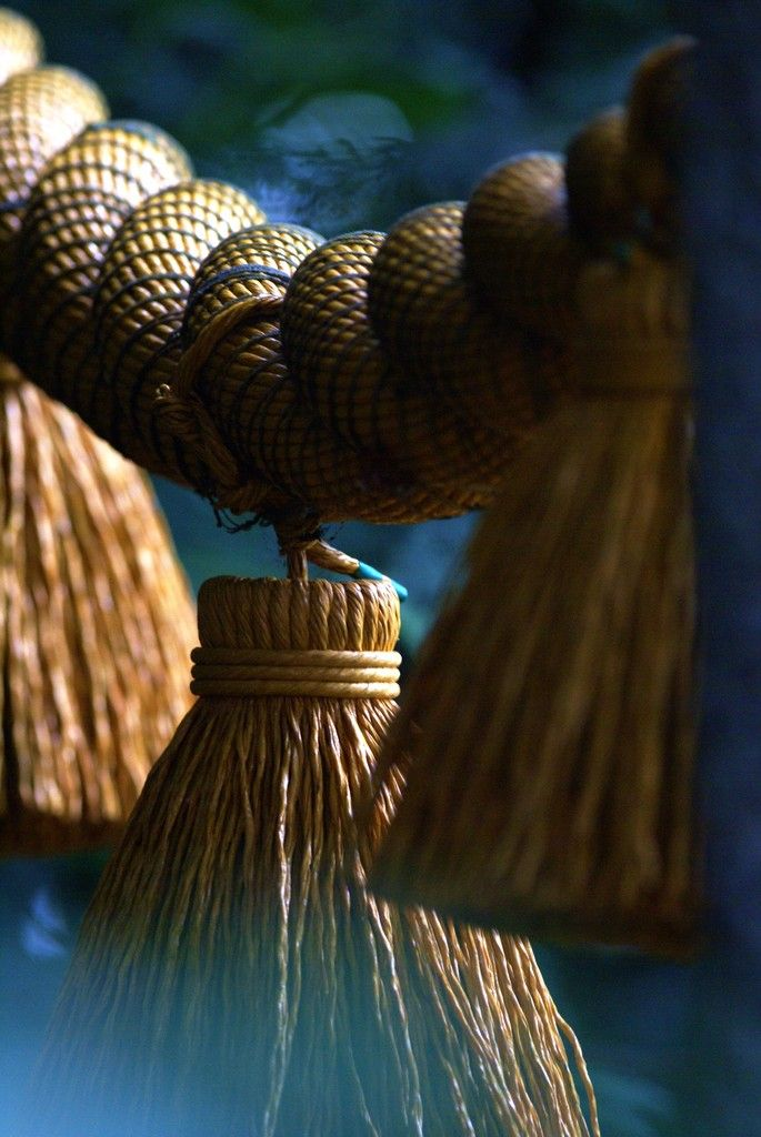 Shimenawa 注連縄 - rice straw rope used for ritual purification in  Shinto religion, Japan