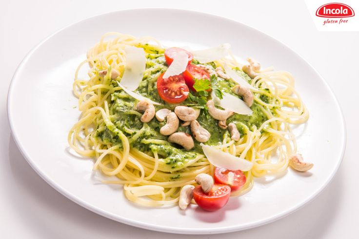 Ruszył nasz blog! Oto nasz przepis na obiad- Spaghetti alla Chitarra w pietruszkowym pesto. http://www.incola.com.pl/blog/spaghetti-alla-chitarra-w-pietruszkowym-pesto/