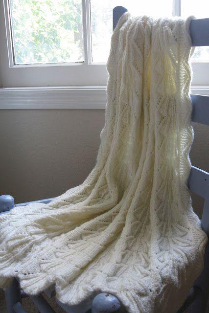 Daily Knit Pattern: Heirloom Baby Blanket BREI = Komberse Pinterest Bab...