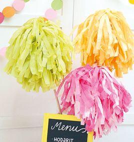 Vappuhuiskat voit tehdä itse silkkipapereista. Sinellistä laaja valikoima yksivärisiä ja kuviollisia silkkipapereita. Tarvikkeet ja ideat Sinellistä!