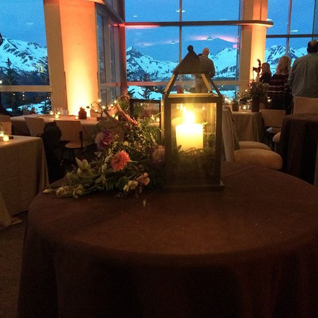 """""""Cocktails with a view. Can't beat the view up top Whistler Mountain - one of our favourites! #whistlerevents #eventprofs #eventdecor #mountainevents #whistlerdmc #eventdesign"""" by @pds_pacific_destinations (pds_pacific_destinations). • • What do you think about this one? @louiseperrywed @lovecandyflossevents @lovegevity @lriagency,@luisvhorta @luxeoccasionsdc @lvhospitality @mabrouka_events,@madisonlondon1 @magmarketing @magnoliahouseandgarden @mandypants4,@manuuusanna @marcacondal…"""