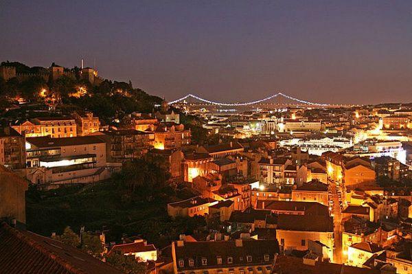 6 cose da fare gratis a Lisbona  Oggi ti porto a Lisbona, città con la quale ho un rapporto controverso, città che mi affascina e mi distu...