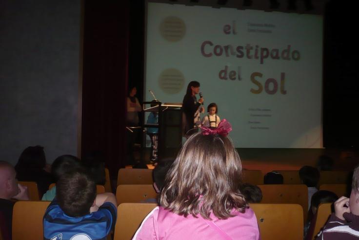 """Celebrando el Día del Libro con """"El constipado del Sol"""" en la Biblioteca de Soto del Barco 23-04-2013"""
