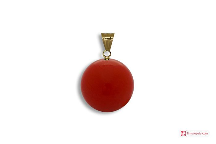 Extra Red Coral Pendant 6-6½mm in Gold 18K Pendente Corallo rosso Extra 6-6½mm in Oro 18K #jewelery #luxury #trend #fashion #style #italianstyle #lifestyle #gold #silver #store #collection #shop #shopping #showroom #mode #chic #love #loveit #lovely #style #beautiful #pretty #madeinitaly #bestoftheday #pendants #pendantsforsale