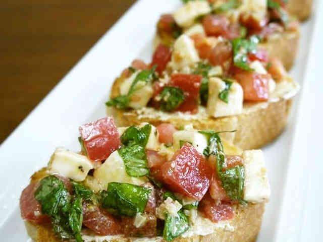 トマトのバジルとモッツァレラのカナッペ♪の画像