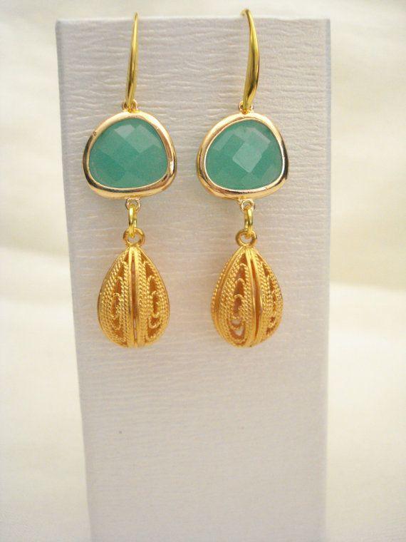 Mint crystal earrings Mint drops Bridesmaid earrings by Poppyg