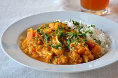Vegetarisk curry med røde linser