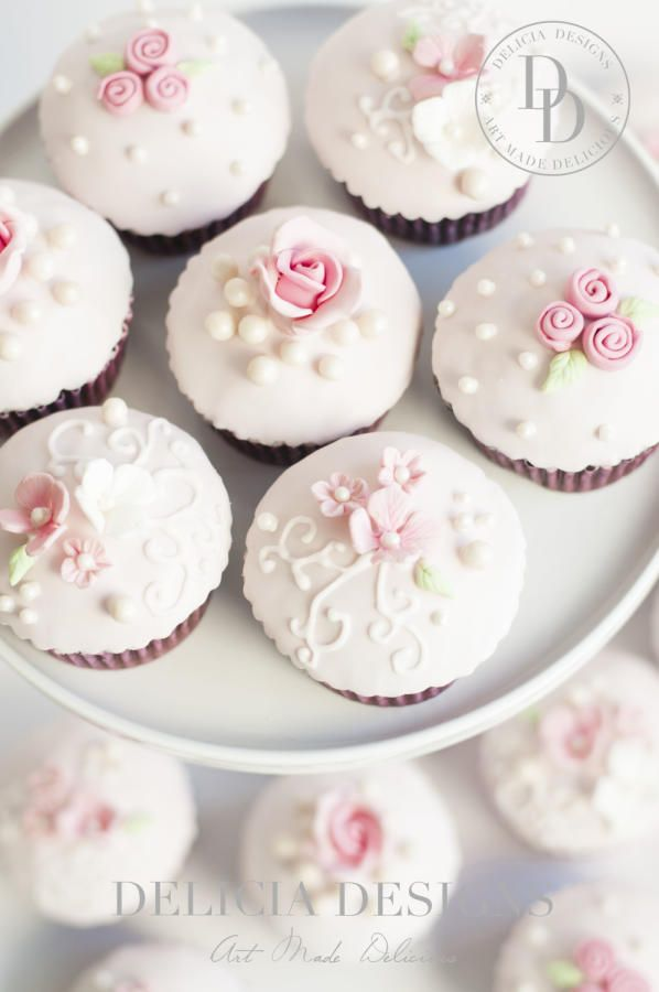 Pretty In Pink Cupcakes By Delicia Designs Cupcakes In