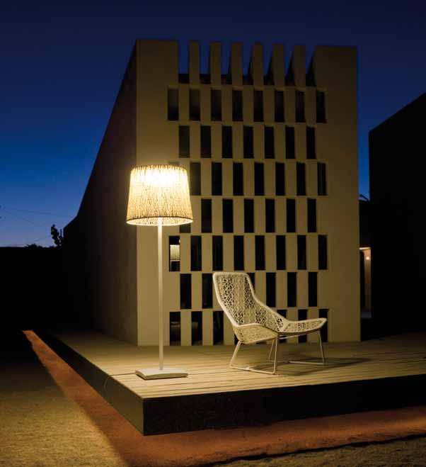 Vibia design wind 4055 outdoor floor lamp by jordi vilardell