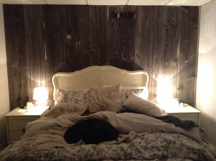 Perfect old country theme bedroom design.  Old antiques and barn board, my fav!