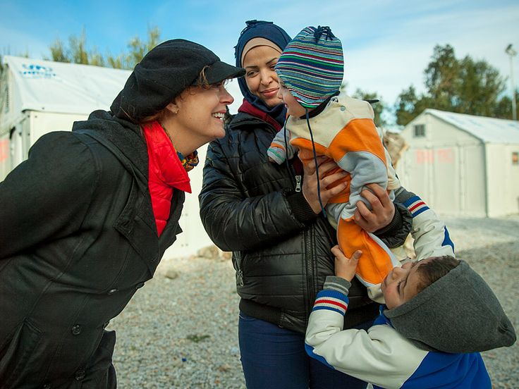 Susan Sarandon Shares Poignant Images While Visiting Syrian Refugees on Greek Island: 'I Came Here to Listen and Learn' http://www.people.com/article/susan-sarandon-shares-images-visiting-syrian-refugees-greek-island