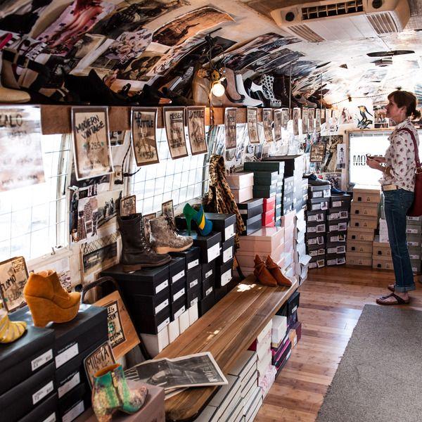 one of a kind shoe store mobile shops pinterest caravana y tiendas. Black Bedroom Furniture Sets. Home Design Ideas