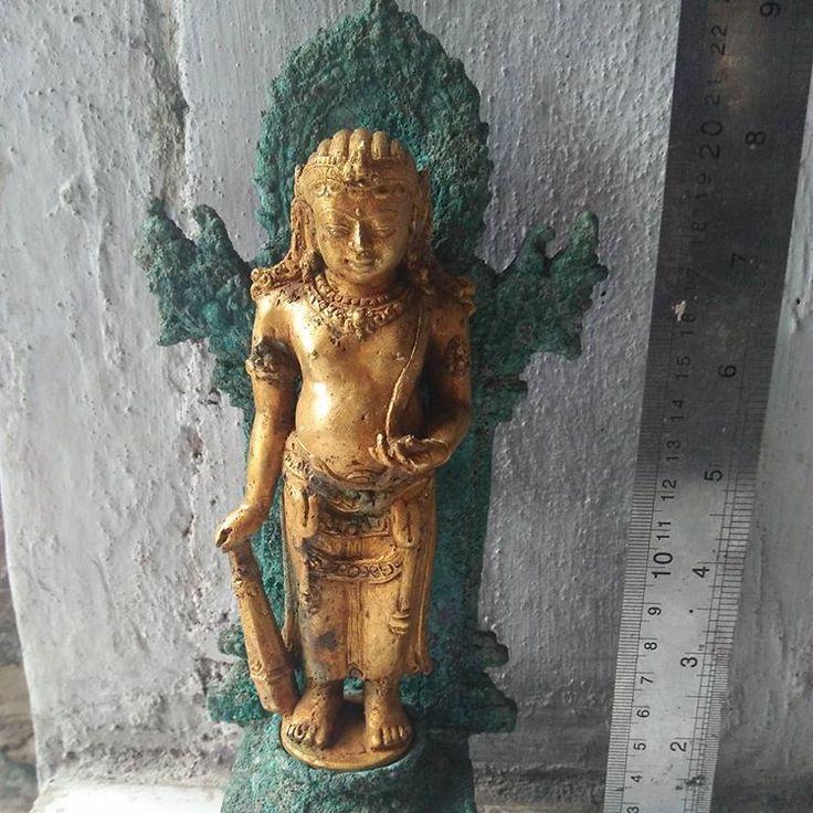 ***ANAK RAJA perunggu lapis emas murni *** For SALE   Bbm D344154C   WA 08585 2080 384  #patung #perunggu #majapahit #kuno #temuan #lapis #emas #antik #unik #langka #rare #bronze