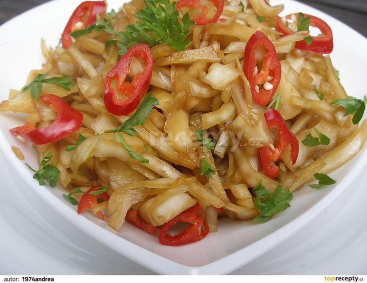 Asijský pikantní zelný salát recept - TopRecepty.cz