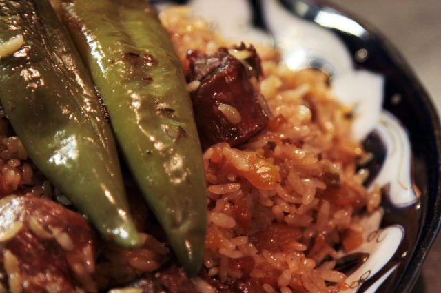 Рассыпчатый рис, сочное мясо. Тонкости приготовления ферганского плова | Мастер-классы | Кухня | Аргументы и Факты