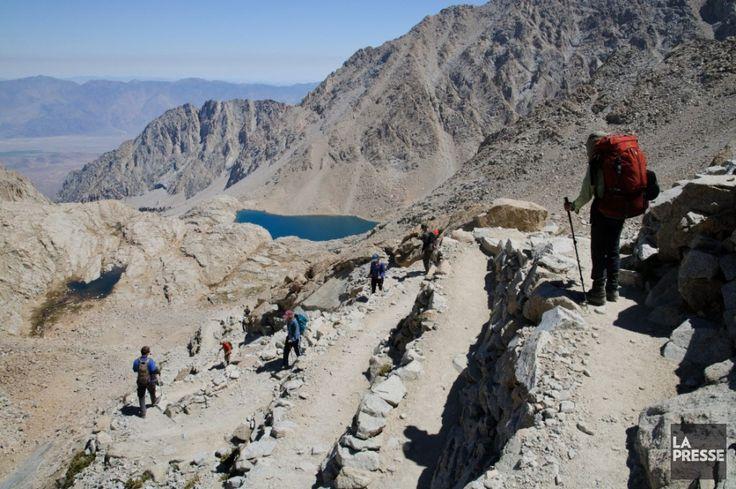 John Muir Trail: le plus beau sentier; côte ouest américaine.Le sentier de la John Muir Trail (JMT) longe sur 338 km la chaîne de montagnes de la Sierra Nevada, en Californie.