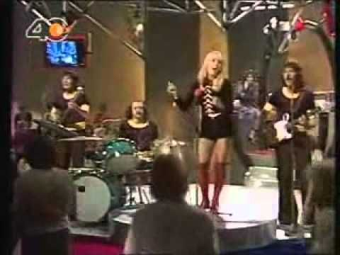 Sally Carr & Middle of the Road - Chirpy Chirpy Cheep Cheep