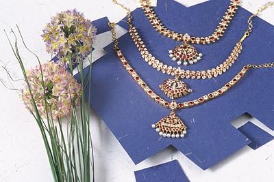 golden jewellery arts