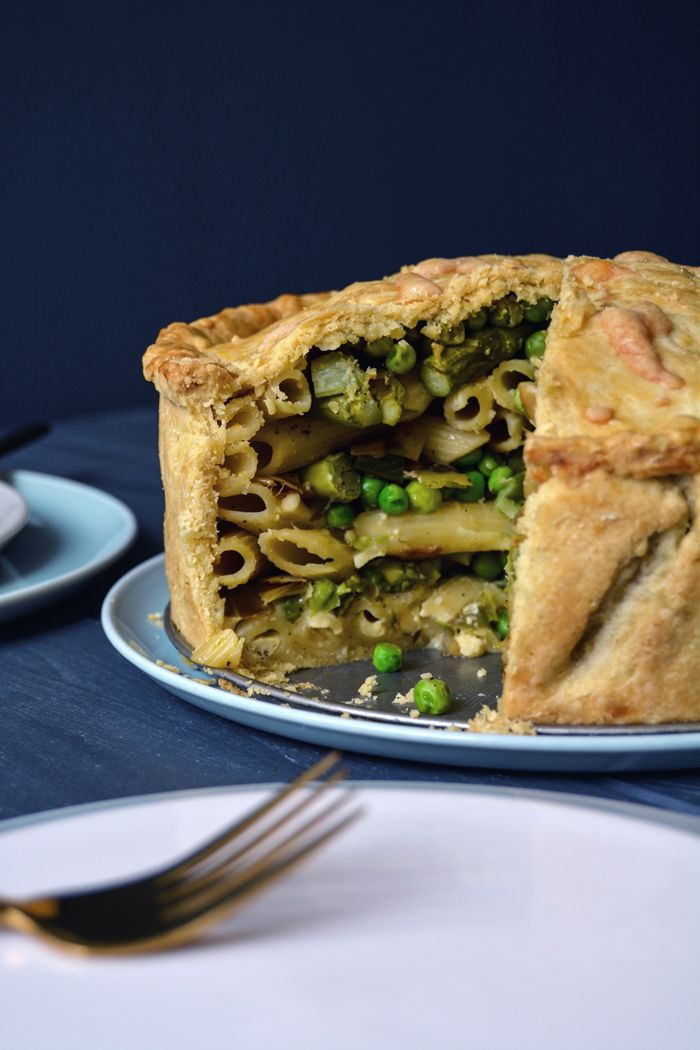 Spring Timpana - Maltese Pasta Pie with Asparagus, Peas, and Leeks ° eat in my kitchen | Meike Peters