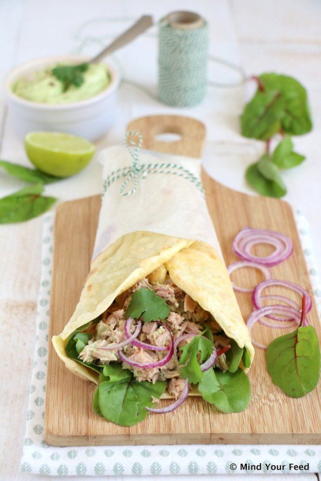 wrap met tonijn en avocado