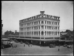 Buckingham's department store on Oxford Street, Sydney, ca. 1920s [picture].
