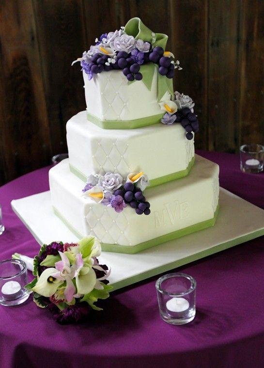 Wilson Vineyards Wedding I Like The Fun Shape Of Cake