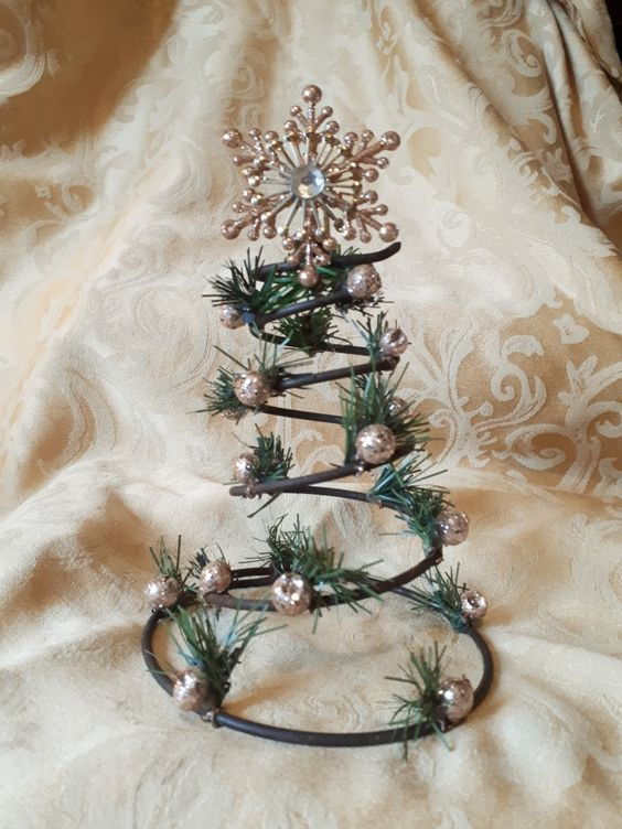Inexpensive Dollar Store Holiday Decorations on a Budget ...