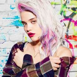 Color rebel sur Sky Ferreira blonde #colorrebel #redken