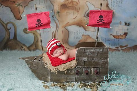 Sombrero de pirata de punto prop de fotografía de por ModisteBee
