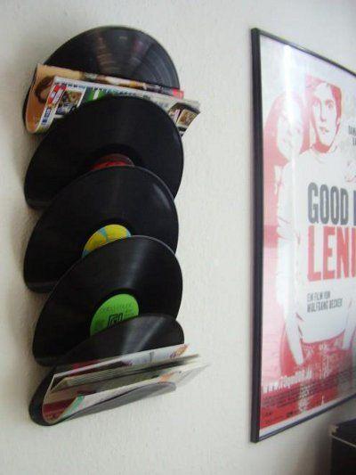 Disco de vinil - Aquele vinil que já não toca mais pode organizar suas revistas, correspondências, contas a pagar…e ainda dar um toque decorativo à parede!