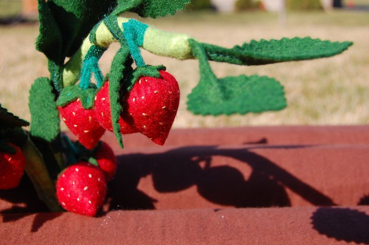 How to Make Fabric Strawberries (and attach them to a fabric plant.)  Tutorial by Lorraine at IkatBag.