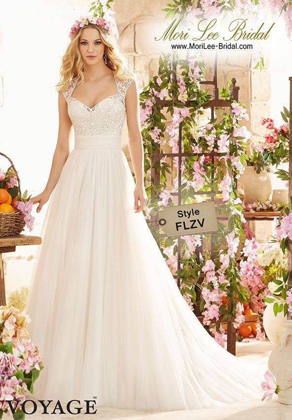 Style FLZV MAJESTIC EMBROIDERY ON SOFT NET / Colors Available: White • Ivory •Champagne / Precio: $2.413.800 Colombianos* $894 Dólares Americanos