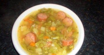 Zutaten für 4 Portion : 1 kg grüne Stangenbohnen 350 g Kartoffeln 2 Karotten 1 Stiel Lauch 1 dicke gewürfelte Zwiebel 2 Tomate...