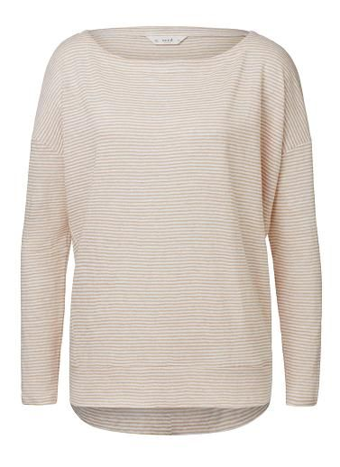 100% Linen Fine Stripe long sleeve tee. Comfortable fitting silhouette features a scoop neck, 3/4 sleeves with fine yarn dyed stripe. Available in various colours as shown.