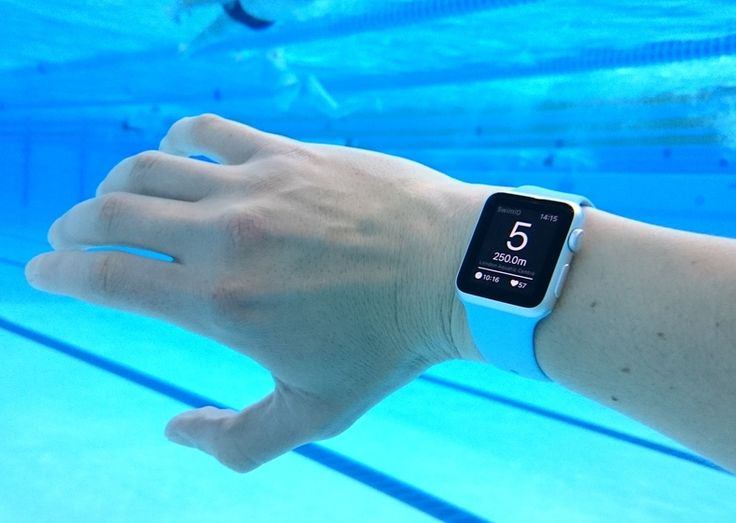 Swimming with the Apple Watch: How the Device Functions in Water - http://www.psfk.com/2015/07/apple-watch-underwater-apple-watch-waterproof-adventures-in-time.html