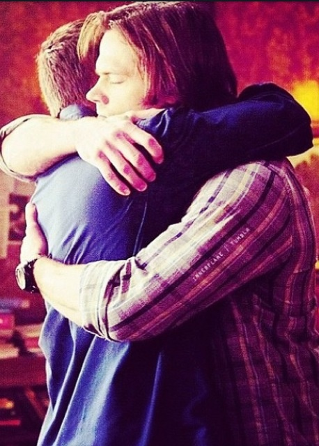 Yeah - so I have a thing for these guys hugging......nothing wrong with that......right?