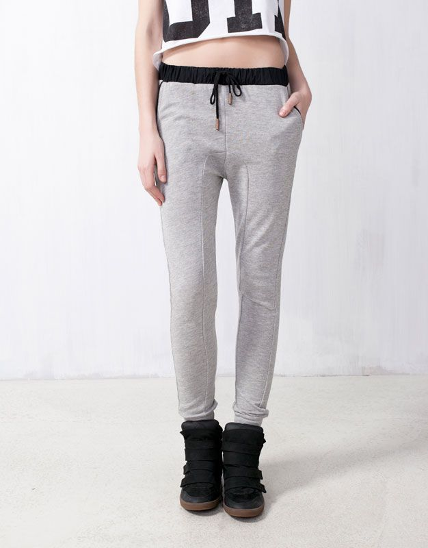 Sweat pants nice enough to wear out to the shops? Pull & Bear jogging pants. Visit www.mumsnet.com/... for more style and beauty recommendations: Basic Jogging, Jogging Mujer, Grey Jogging, Sweat Pants, Jogging Pants, Pants Nice, Bears Jogging
