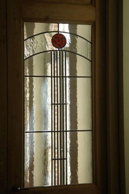 Hieronder vind je verschillende klassieke glas-in-loodpanelen - Artglas