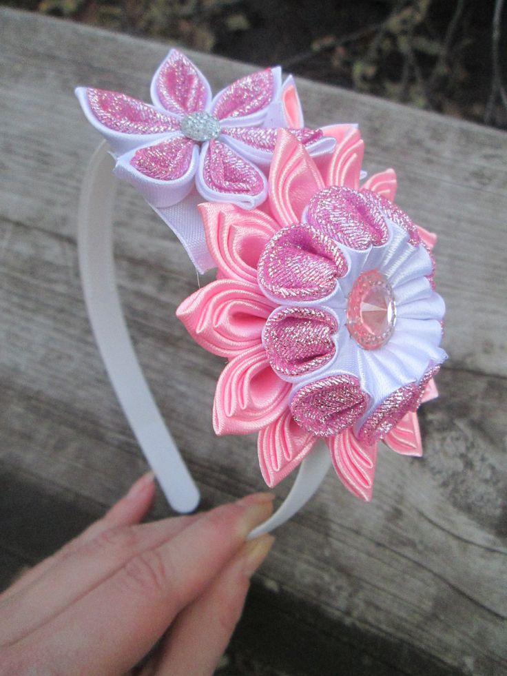 Pink headbandTsumami kanzashi flower por RibbonAndCrystals en Etsy