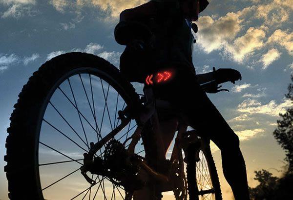 RE-PIN THIS!!! http://www.cardosystems.com/ Buztronics :: luces de giro para bicicletas