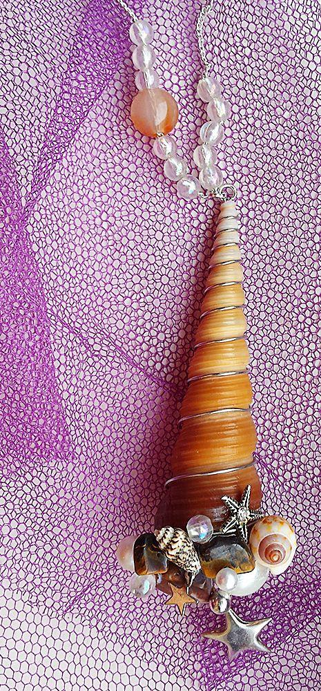 Mermaid Shell Accessorized Pendant facebook.com/rayolabijoux