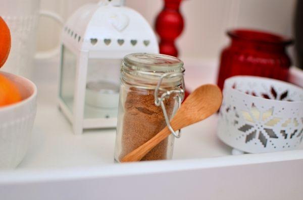 Hjemmelaget pepperkakekrydder! (Bakekona)